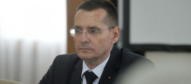 Ministrul Petre Tobă acuzat că l-a protejat pe Oprea