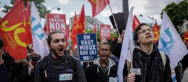 Proteste in Francia contro la riforma lavorativa