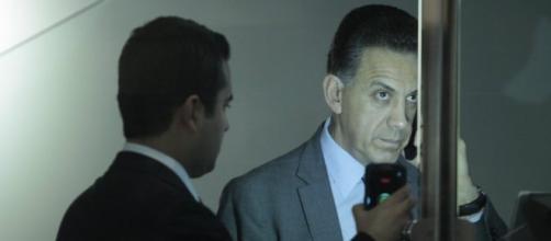 """""""CONSULTAR AL PUEBLO LLEVA A LA ANARQUÍA"""" OFM."""