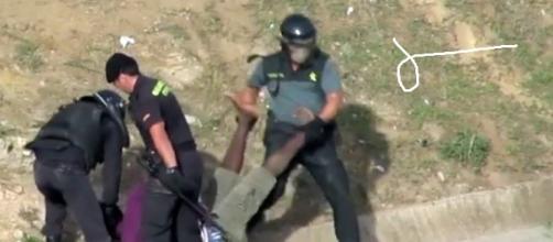Foto tomada de lo que sucedía en la valla de Melilla.