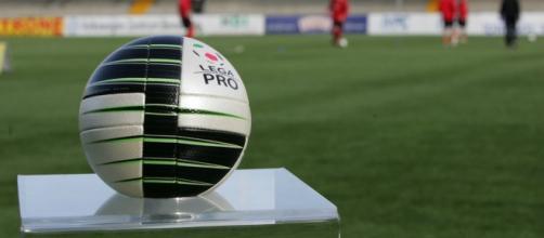 Il pallone ufficiale della Lega Pro.