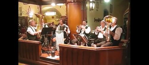 la orquesta de la cerveceria Kaiser Gerhardt
