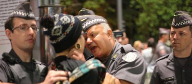 A violência policial contra jovens e adolescentes tem marcado os protestos estudantis.