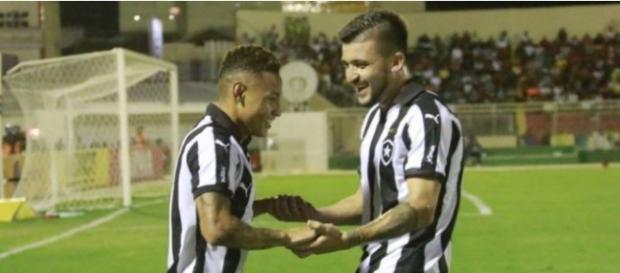 Botafogo venceu mas não conseguiu eliminar o jogo de volta