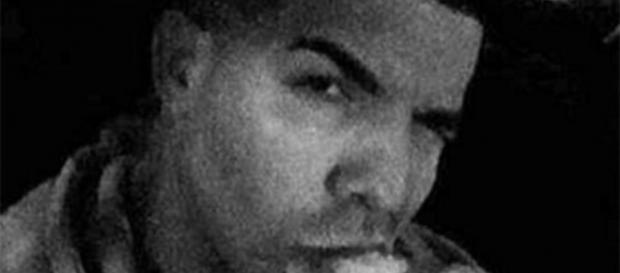 Drake posta foto sem barba no Instagram