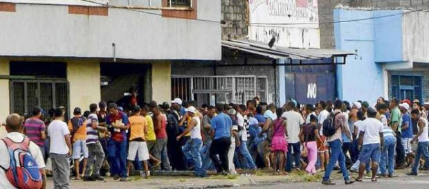 Saccheggi, fame, disperazione in Venezuela