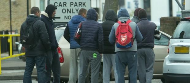 Zeci de români trăiesc în mașini pe străzile Londrei