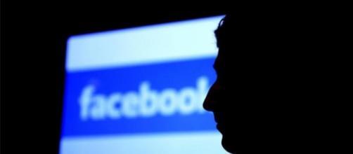 Facebook è stata accusata di manipolazione delle notizie per finalità politiche