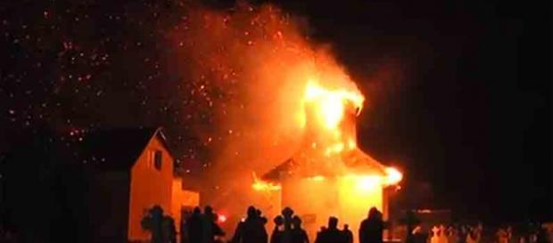 Incendiul de la biserica din Costești a ucis 116 oameni