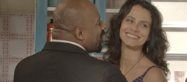 Malandro pede a mãe de Jonatas em casamento, mas ela recusa o pedido.
