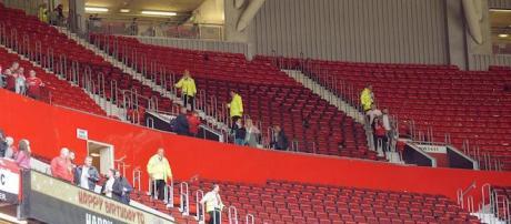 Evacuata la Sir Alex Ferguson Stand all'Old Trafford per il ritrovamento di un ordigno