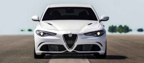 La nuova Alfa Romeo Giulia Bianca