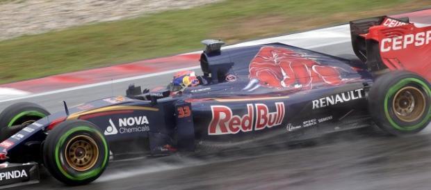 Max Verstappen en su antiguo equipo, Toro Rosso