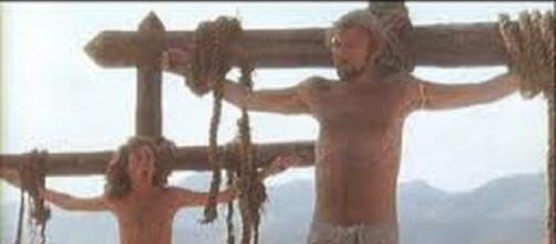 Escena de 'La vida de Brian' de los Monty Python parodiando a Cristo.