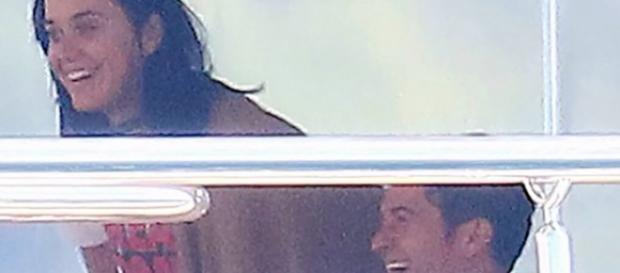 Katy e Orlando foram fotografados em iate