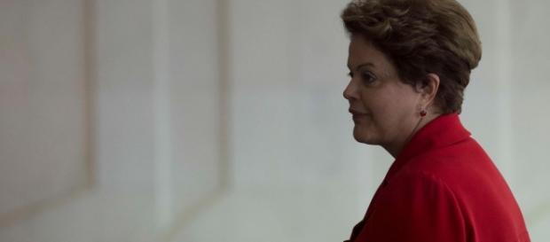 Presidente Dilma Rousseff afastada por 180 dias.