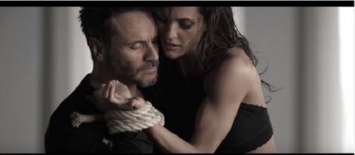 Nek ed Elena D'Amario: il cantante spiega perché ha scelto l'ex ballerina di 'Amici'.
