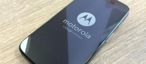 Um dos smartphones mais vendidos do Brasil, o Moto G chega à quarta geração, trazendo foco a laser e sensor de impressão digital entre as novidades
