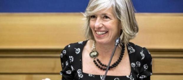 Stefania Giannini: scuole aperte anche d'estate e di domenica