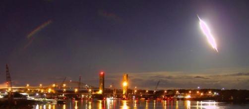 Gigantesca palla di fuoco attraversa il cielo di Portland nel Maine.
