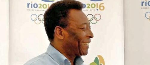 Pelé esteve presente em evento da Rio 2016 (Fonte: Wikimedia)