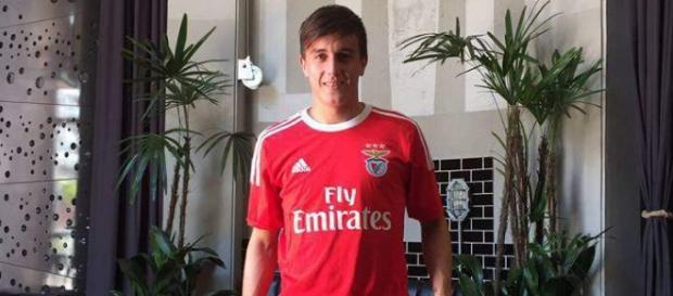 Benfica quer utilizar o jogador de 21 anos pelo qual gastou R$ 16,5 milhões em setembro (Foto: Divulgação/SL Benfica)