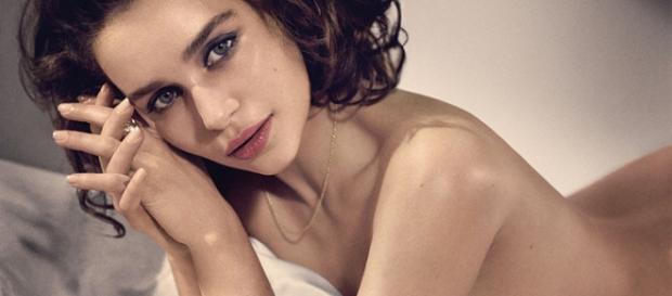 Emilia Clarke en una sesión de fotos