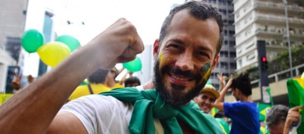 Malvino Salvador avaliou que a queda econômica é o fato que mais atinge os brasileiros.