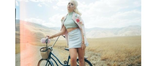 Source: http://www.thefader.com/2015/01/27/kali-uchis-how-i-live Music artist Kali Uchis is the next Amy Winehouse