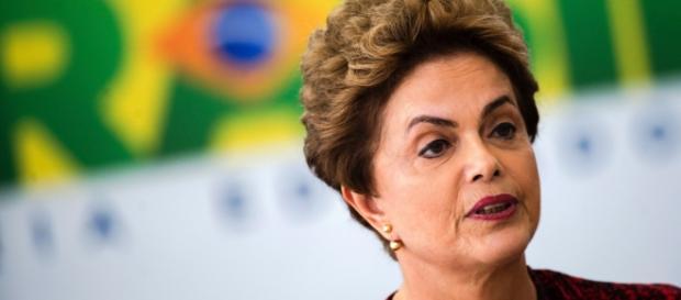 Rosa Weber determina que Dilma justifique o que caracteriza ser 'golpe de Estado'.