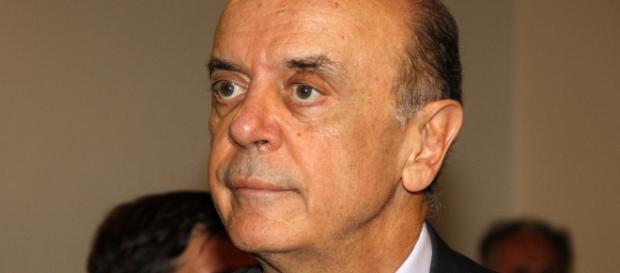 Serra concede passaporte diplomático a pastor investigado na Lava-Jato