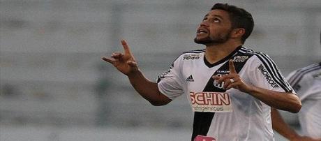 Felipe Azevedo foi o destaque da partida.