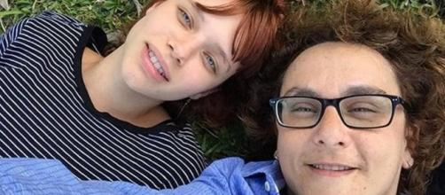 Bruna Linzmeyer e a namorada Kity Féo Foto: reprodução/instagram