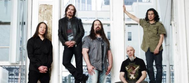 A banda está divulgando o álbum 'The Astonishing'