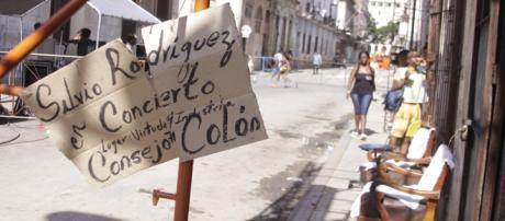 Imagen de la gira por los barrios. Foto: Alejandro Ramírez Anderson