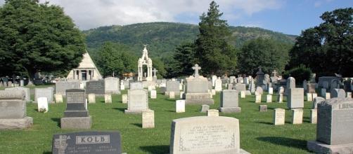 Andrea Ruotolo: la misteriosa lettera al cimitero