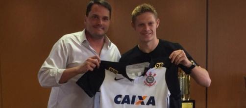 O Corinthians tem 50% dos direitos de Marlone