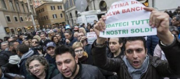 Ridateci i nostri soldi!!! risparmiatori in piazza contro le banche