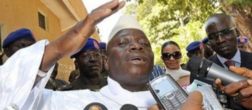 President Yahya Jammeh after casting his vote in 2006 / Umaru Fofana, www.newvision.co.ug
