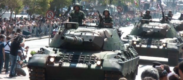 Governo do RJ quer o Exército patrulhando as ruas da capital durante as Olimpíadas.