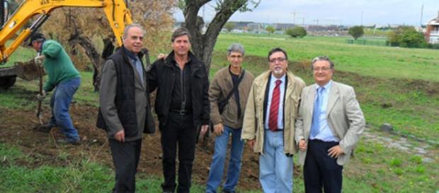 Roma, Piano di Zona Tor Vergata, Municipio VII: il secondo da destra è il Vicepresidente del Consorzio AIC Sig. Carlo Proietti