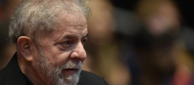 """""""Sobrinho de Lula"""" é investigado pela Polícia Federal."""
