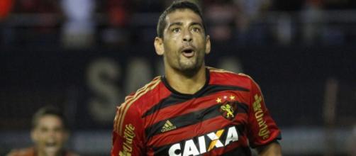 Diego Souza fez pedido para a torcida