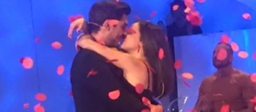 Il bacio tra Eleonora Rocchini ed Oscar Branzani