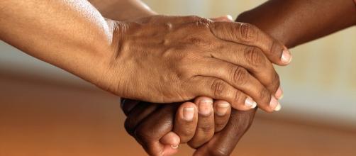 La relazione di aiuto che si instaura verso le persone che fanno parte di una comunità