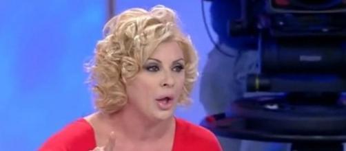 Tina Cipollari parla, in un'intervista, della sua notorietà.