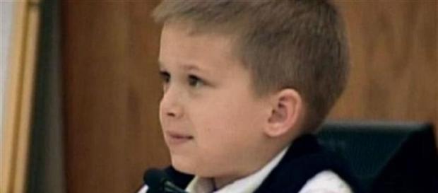 AJ, com apenas 7 anos, testemunhou em tribunal