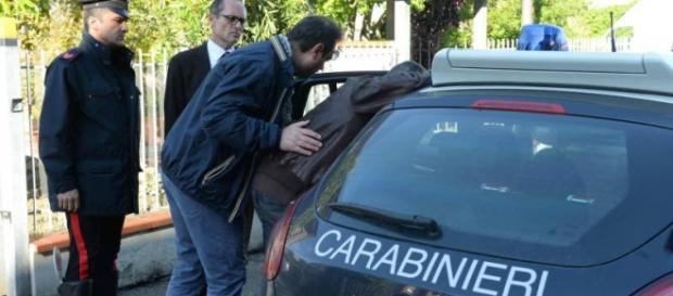 Romînii dau de furcă carabinierilor