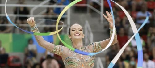 As meninas da ginástica rítmica participam de três etapas da Copa do Mundo