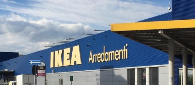 Lu0027edificio Commerciale Ikea Arredamenti